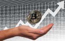 Vrednost bitcoina že nad 4000$